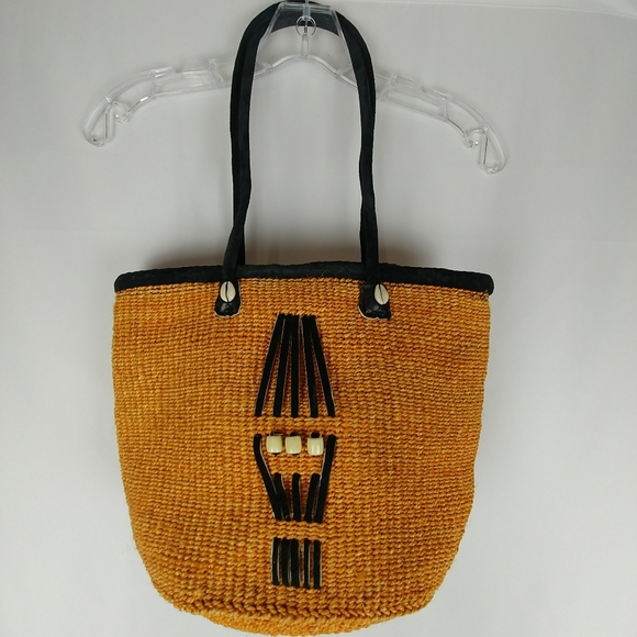 Boho Basket Weave Hand Bag Shell Details